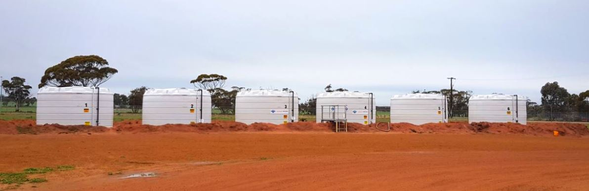 line of Coerco poly liquid fertiliser storage tanks-2